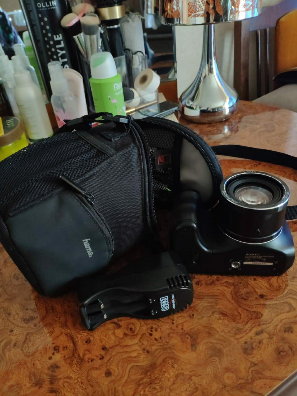Фотоаппарат Sony DSC-H200
