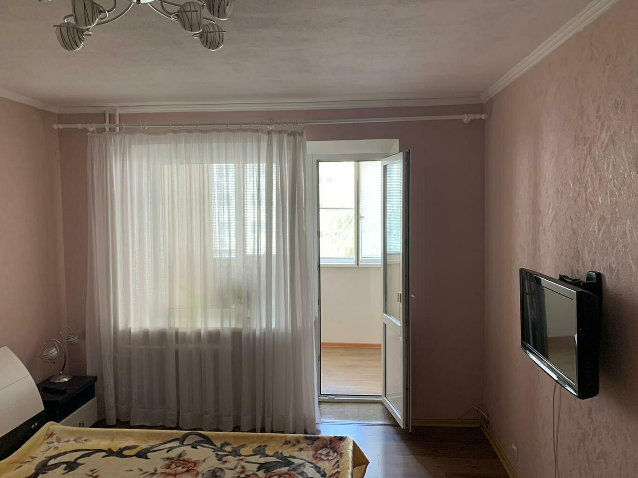 родается 2 комнатная квартира 59/32/1...