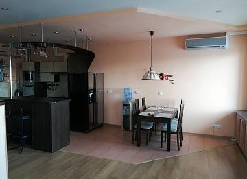 Квартира, 2 комнаты, 58 м² в Москве