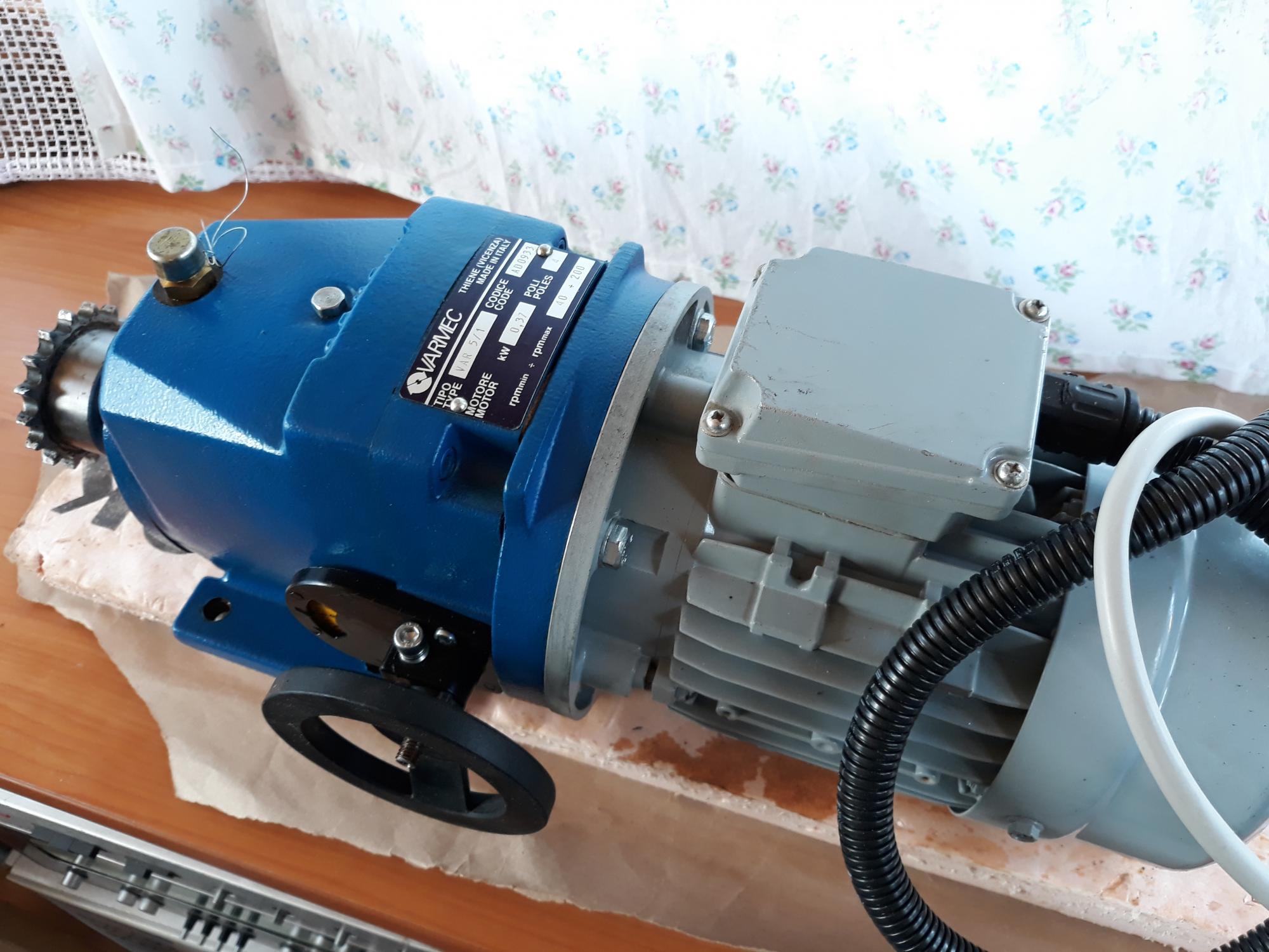 Электродвигатель асинхронный CEG MT-71B Италия 89099330239 купить 3