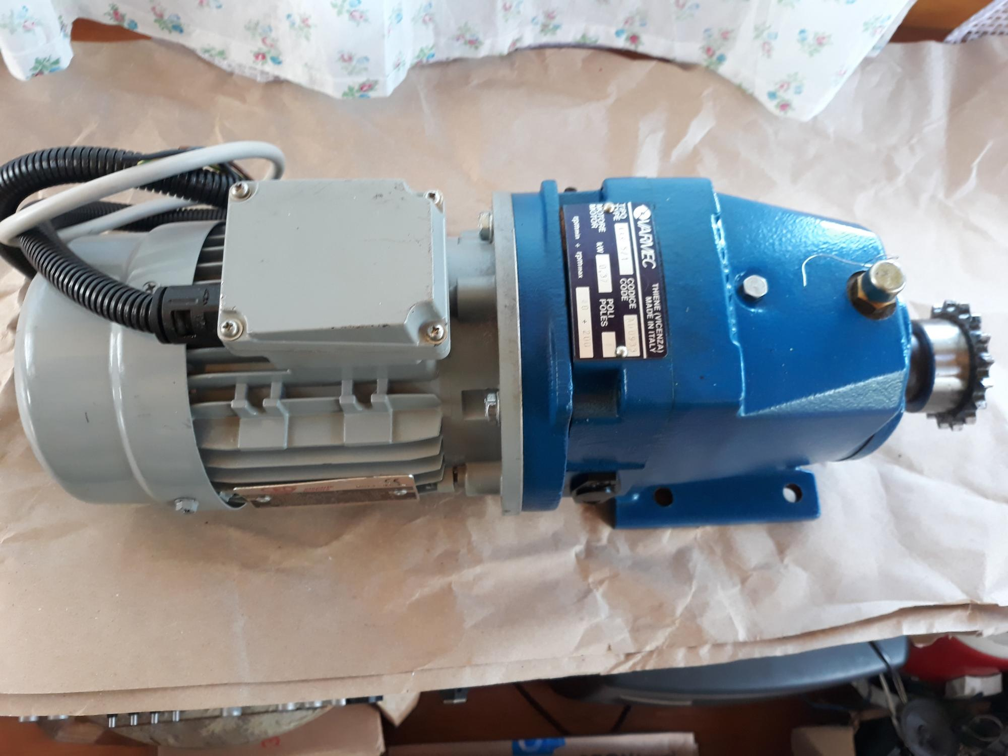 Электродвигатель асинхронный CEG MT-71B Италия 89099330239 купить 2