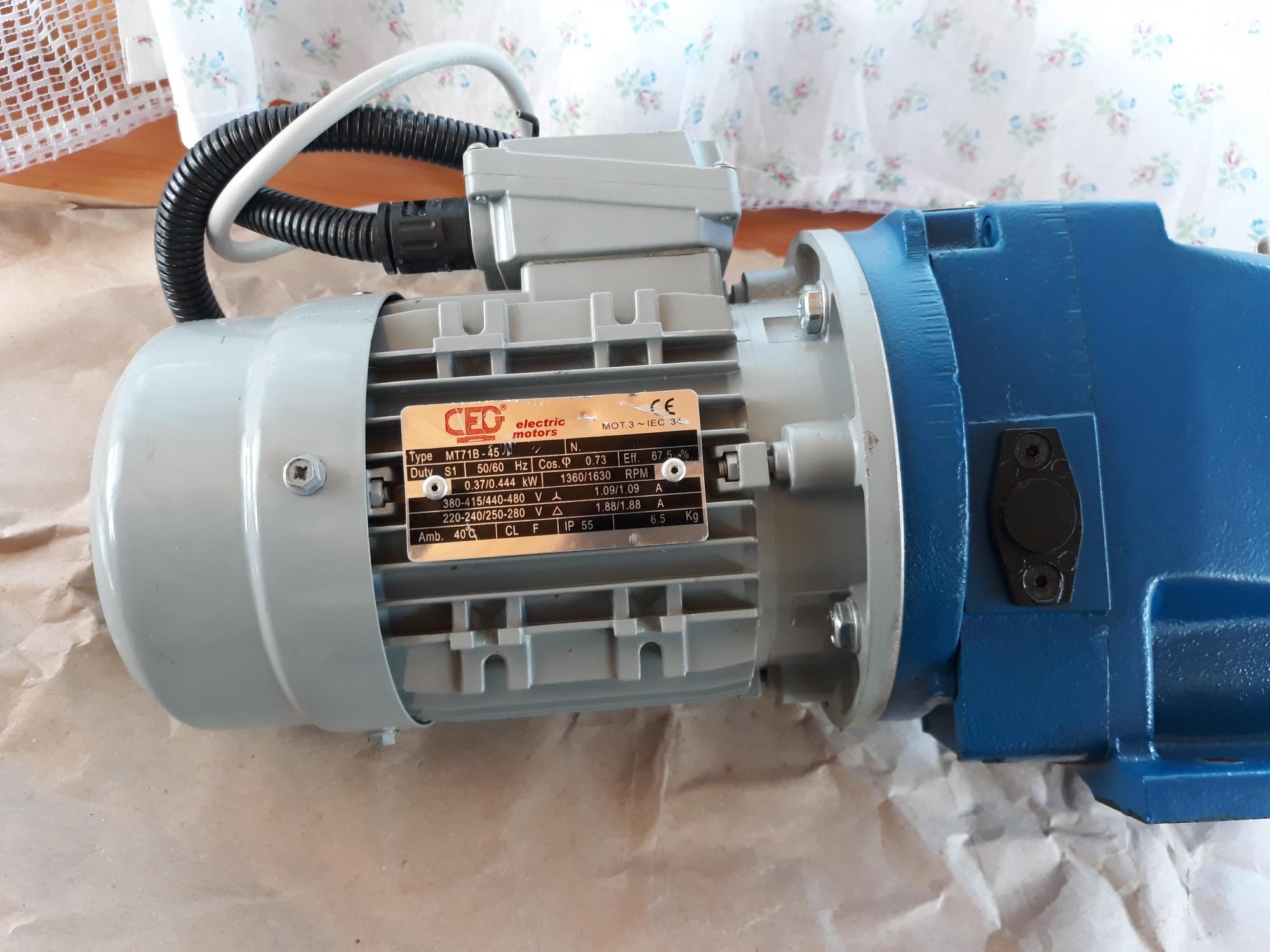 Электродвигатель асинхронный CEG MT-71B Италия 89099330239 купить 1