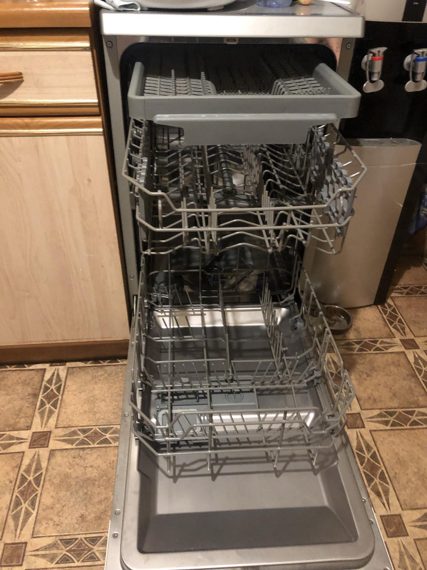 Посудомоечная машина (45 см) Hansa ZWM4677IEH в Москве 89057949885 купить 3