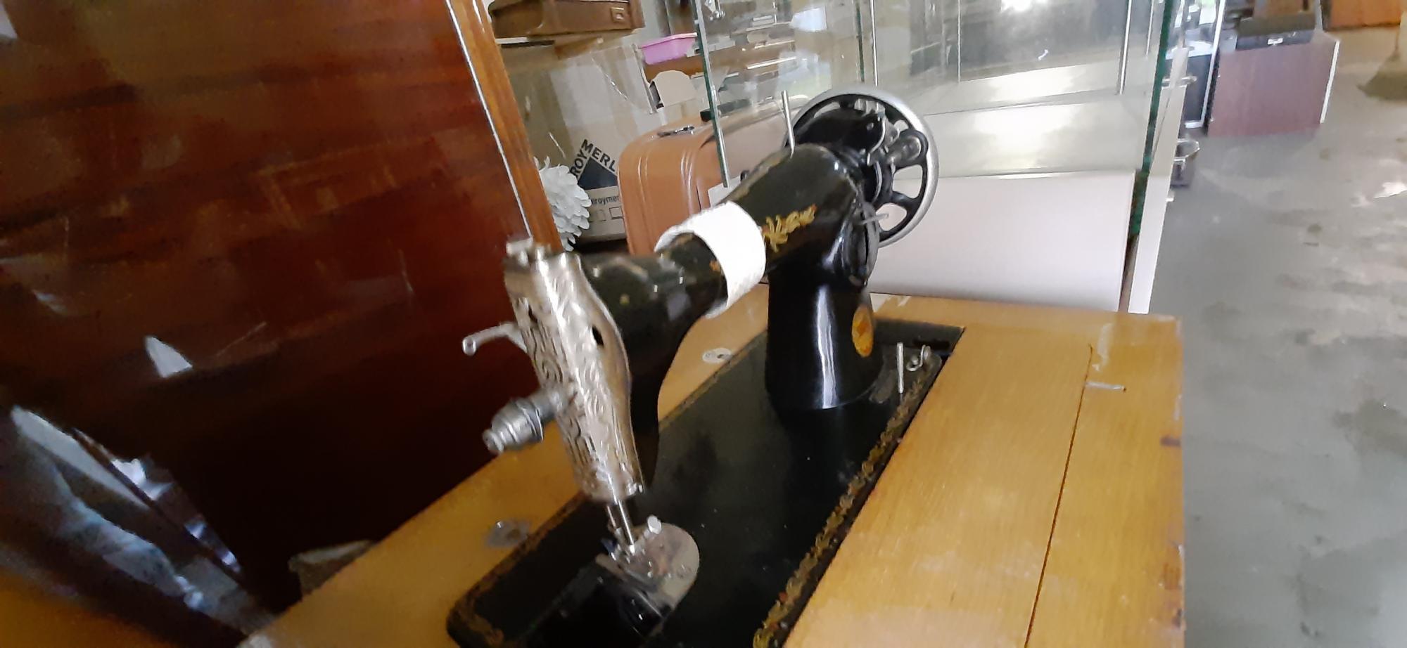 Швейная машинка ПМЗ в Москве 89299765583 купить 2